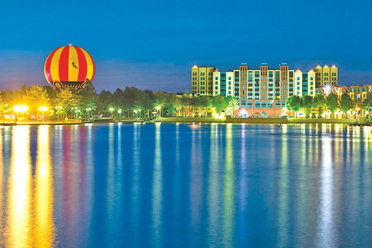 Disney 39 s hotel new york france paris marne la for Hotel new york