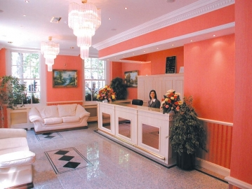 Alexandra Hotel ***